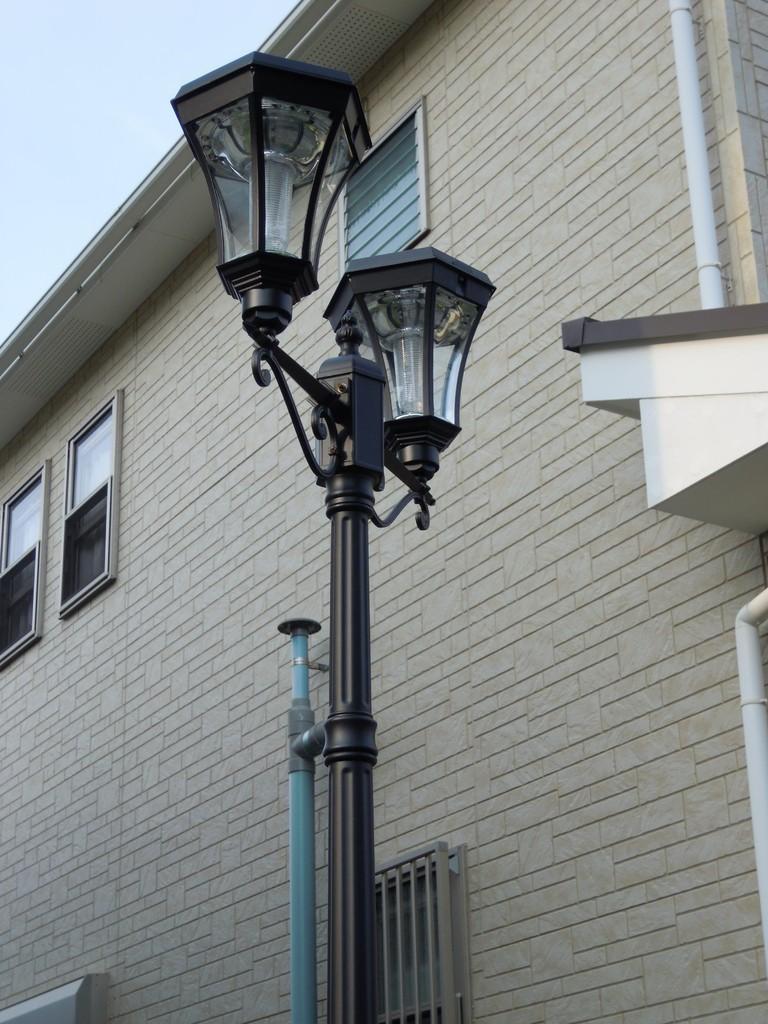 ソーラー街路灯