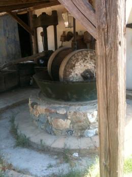 Historische Olivenmühle im Museumsdorf Milelia.