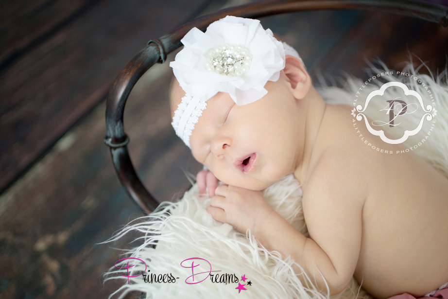 traumhaftes Neugeborenen Haarband, Baby Mädchen Haarband Blume weiß Taufe Hochzeit Blumenmädchen