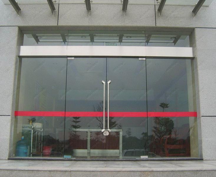 входные двери в магазин стеклопакет