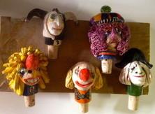 Fasnachtsfiguren, Flaschenköpfe, Waggis, alte Tante, Pierrot, Ueli, Keramik,
