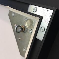 Lagersystem - Bildaufhänger mit Ringschraube ergänzt