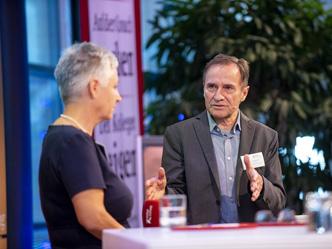 Reiner Klingholz und Karin Haist, Körber-Stiftung, diskutierten sechs Thesen zum baldigen Ruhestand der Babyboomer (Foto: Claudia Höhne)