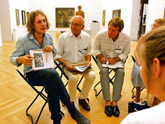 In Gruppen wurde ein neuer Blick auf Kunstobjekte diskutiert