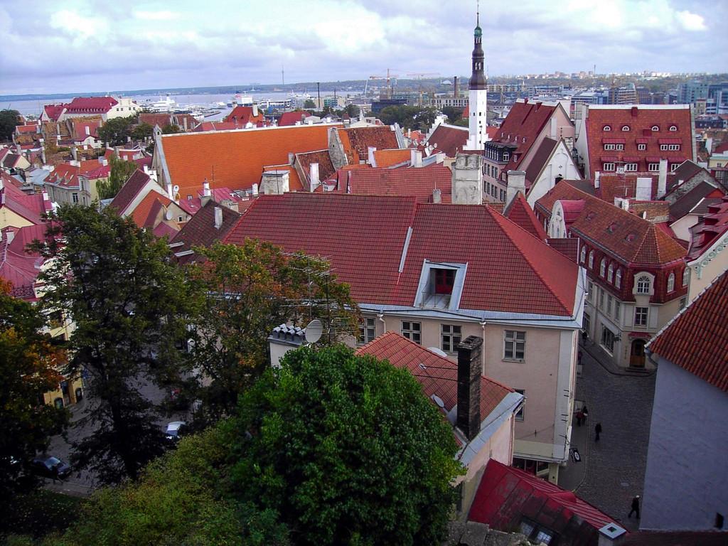 вид сверху  на старый город