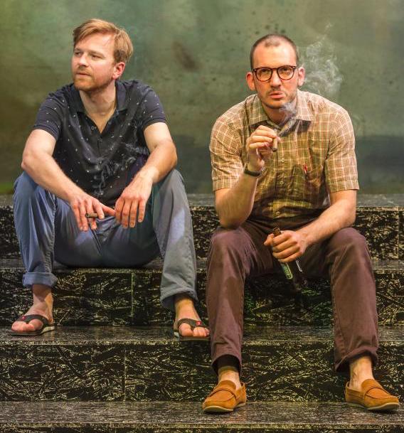Szenenfoto Theater Phönix 2016, Markus Hamele, David Fuchs (c) Christian Herzenberger