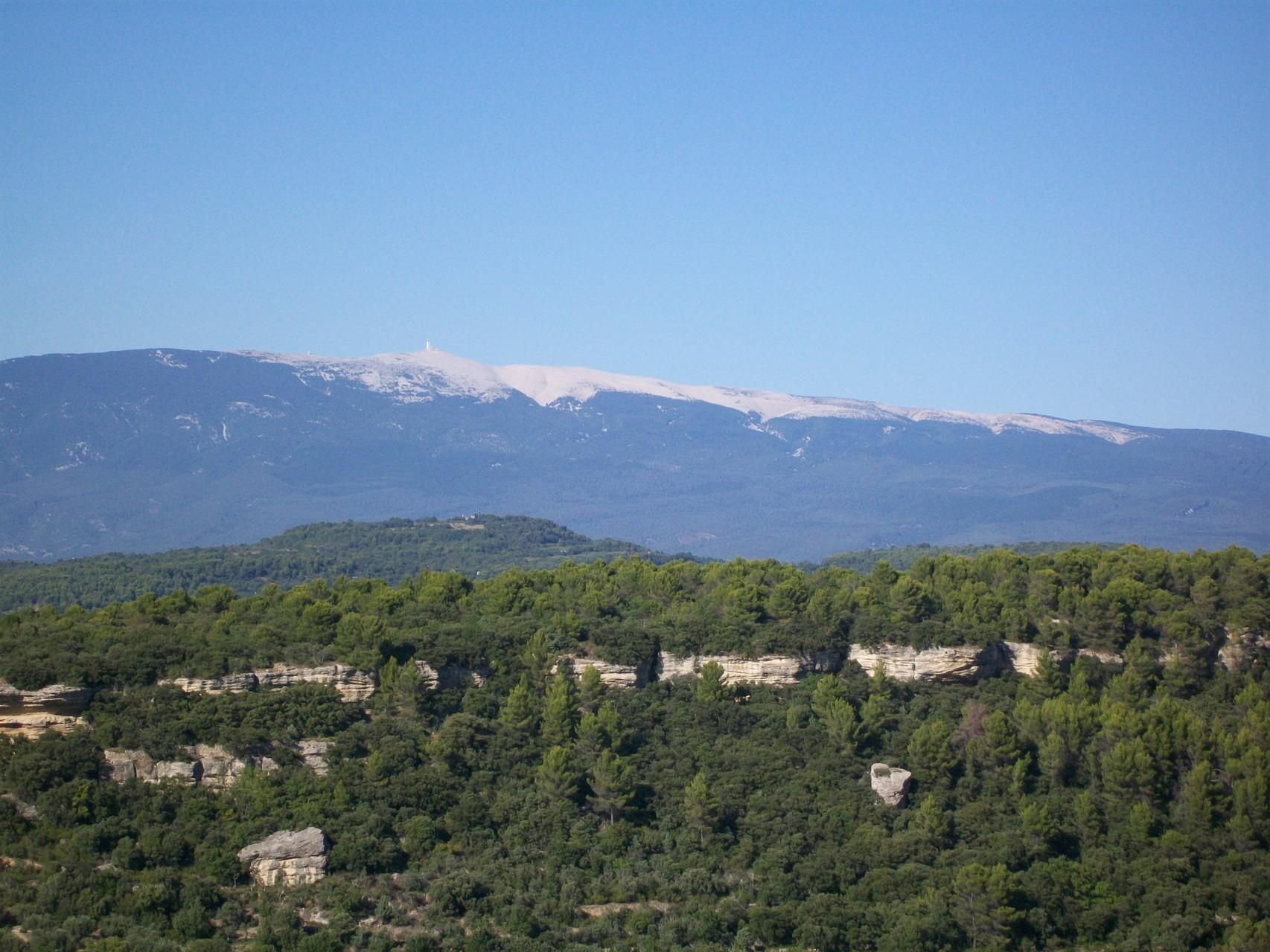 On le voit de loin, le Mont Ventoux