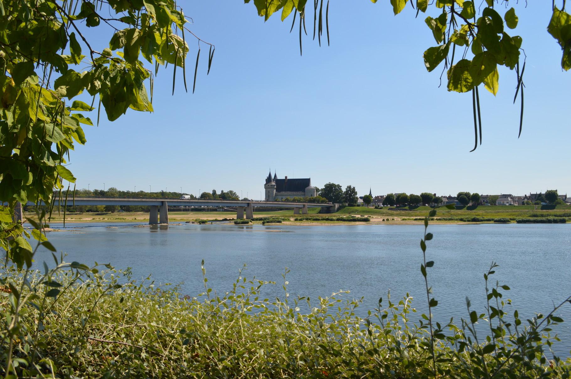 Pont reliant Saint Père sur Loire à Sully sur Loire