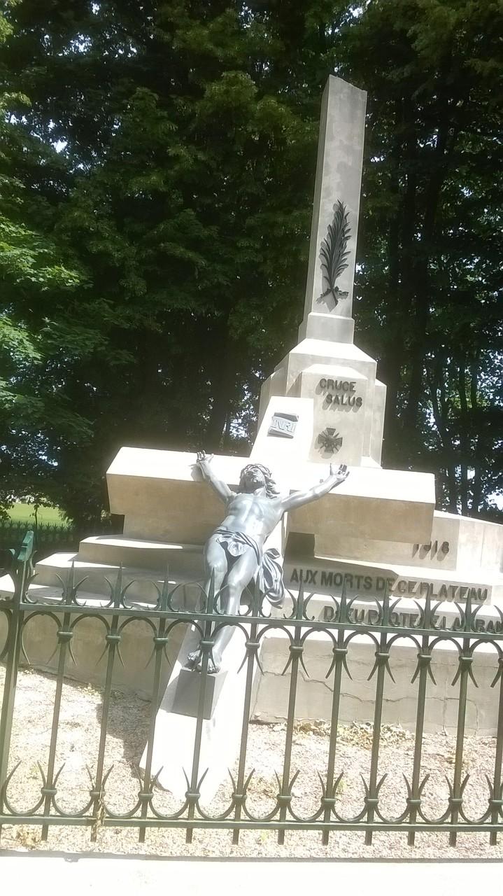 La Croix Brisée (Confrécourt)