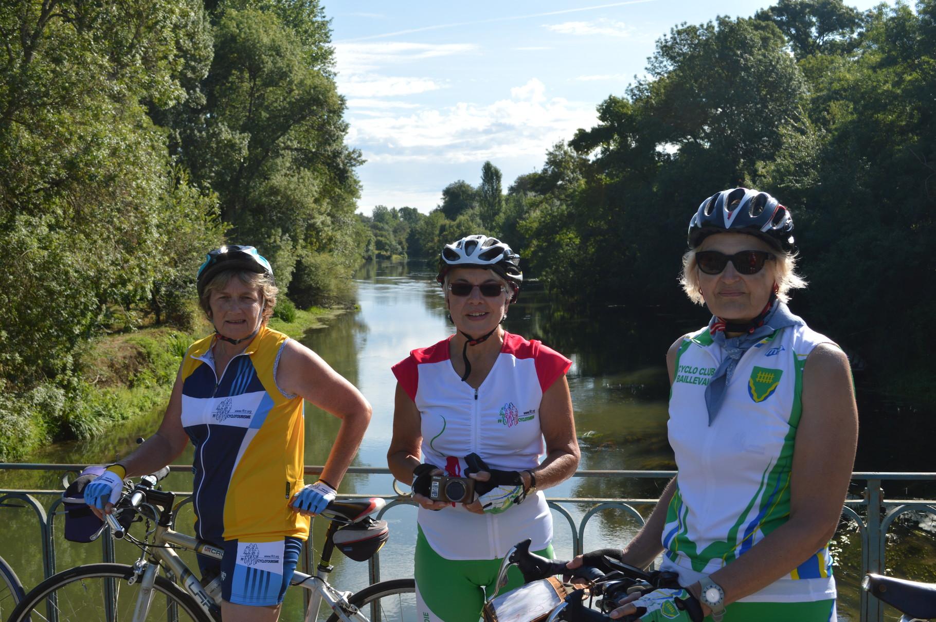 """Les cyclos de Bailleval sur """"La Loire à vélo"""""""
