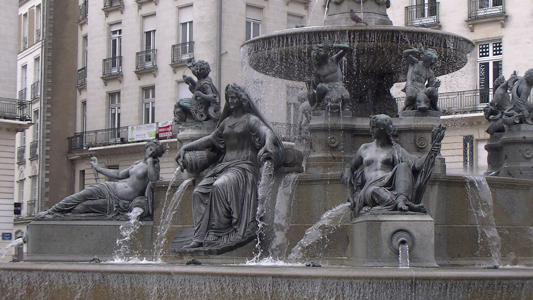 Nantes - Fontaine de la place royale