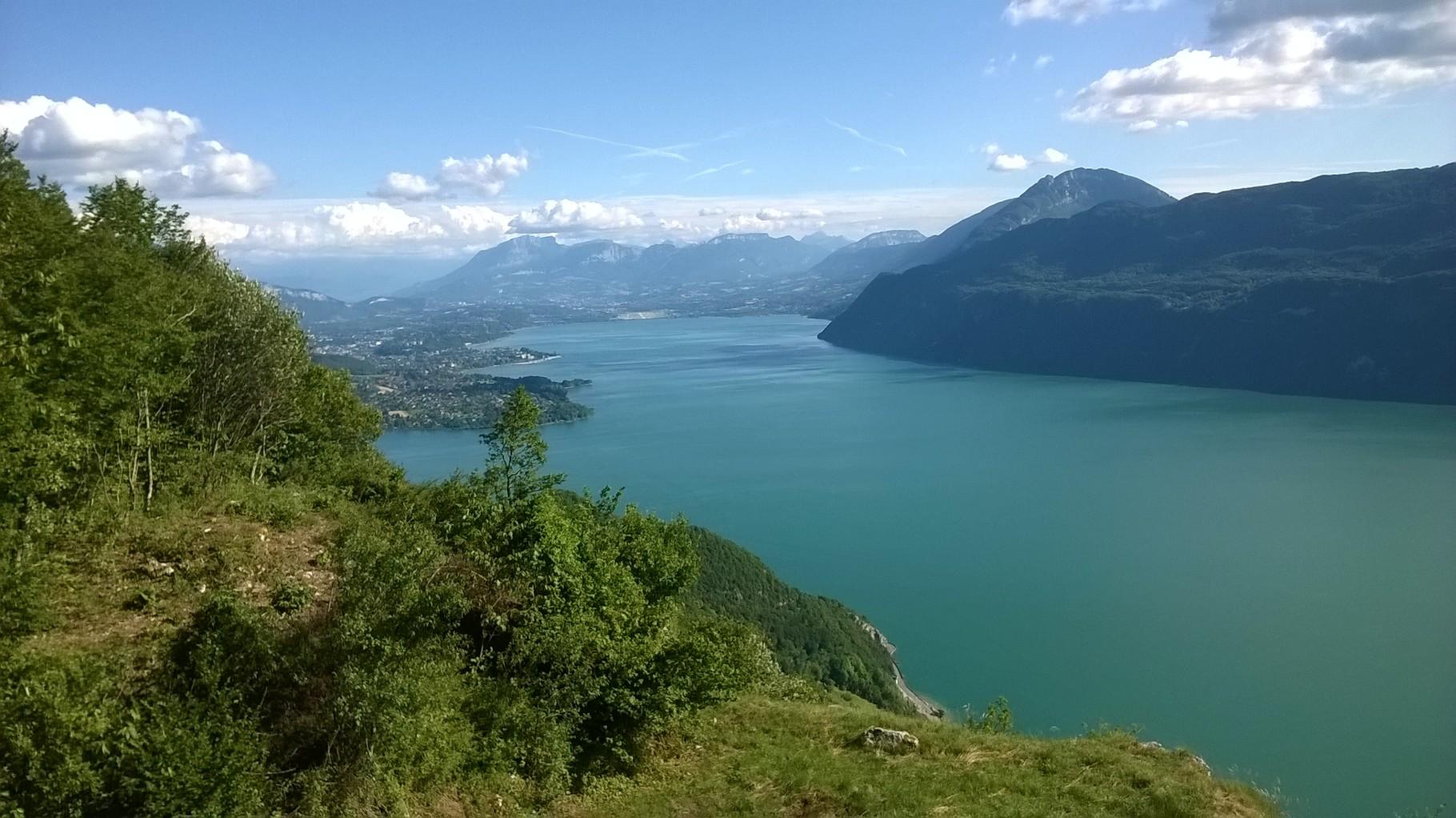 Le lac du Bourget vu du col de la Chambotte