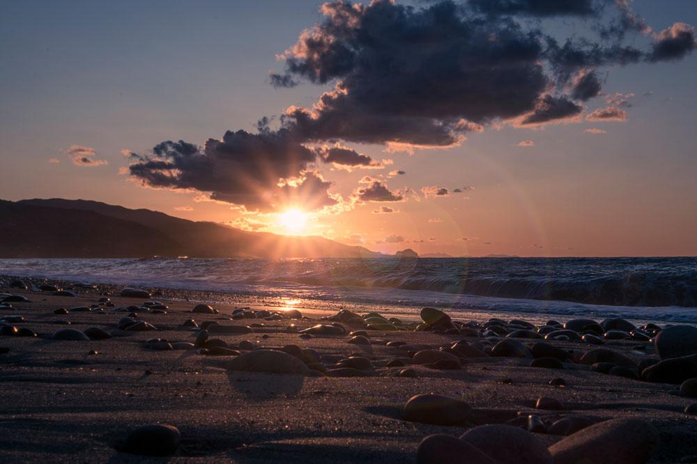 Traumhafter Sonnenuntergang bei Torremuzza an der Nordküste Siziliens