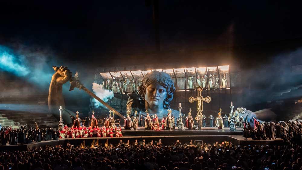 Puccini Tosca, Arena di Verona, Italien, Opernerlebnis