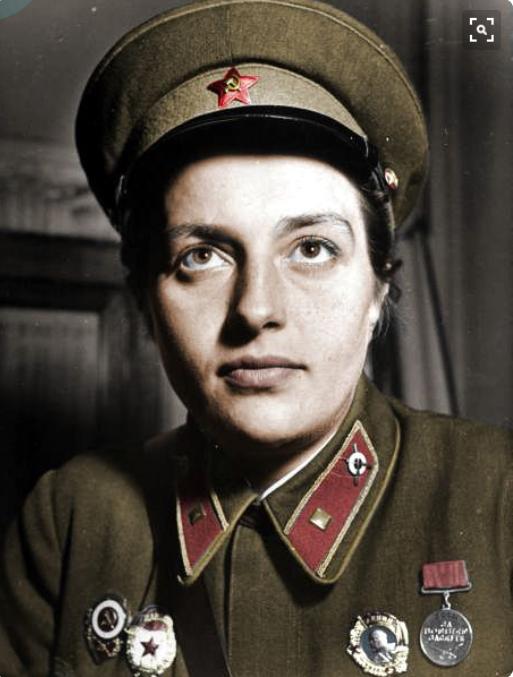 Ludmilla Pawlitschenko, erfolgreichste Scharfschützin des 2. Welkriegs. Mit Eleanor Roosevelt befreundet