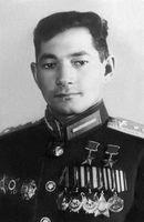 Talgat Begeldinow, zweifacher Held der Sowjetunion, Schlachtflieger