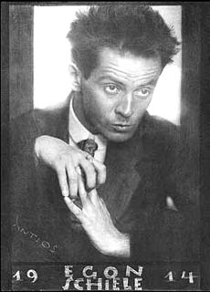 12-1-( 2,4)photo Egon Schiele 1914