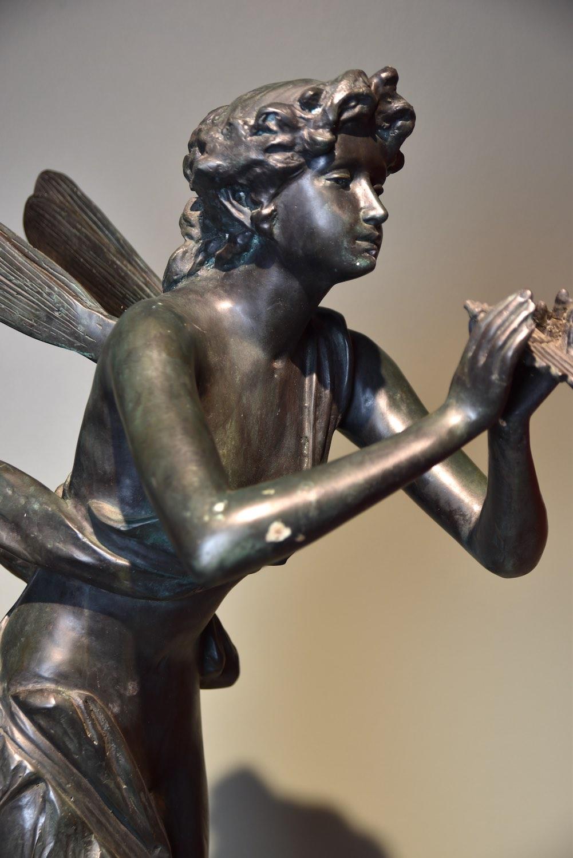 Bronzefigur SELENE, 90 cm
