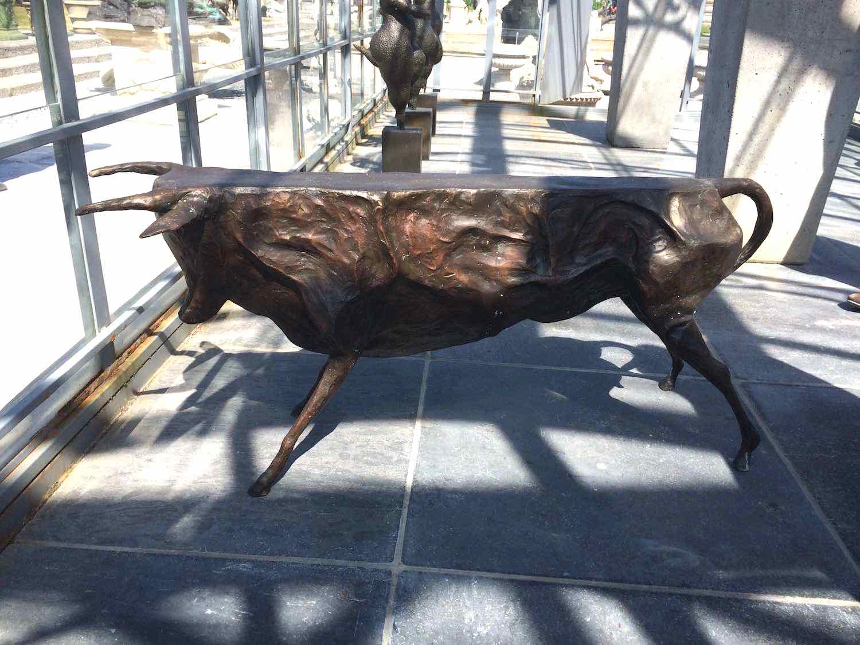 Bronzefigur Rind Stier Bulle ABSTRACT BULL, 102 cm