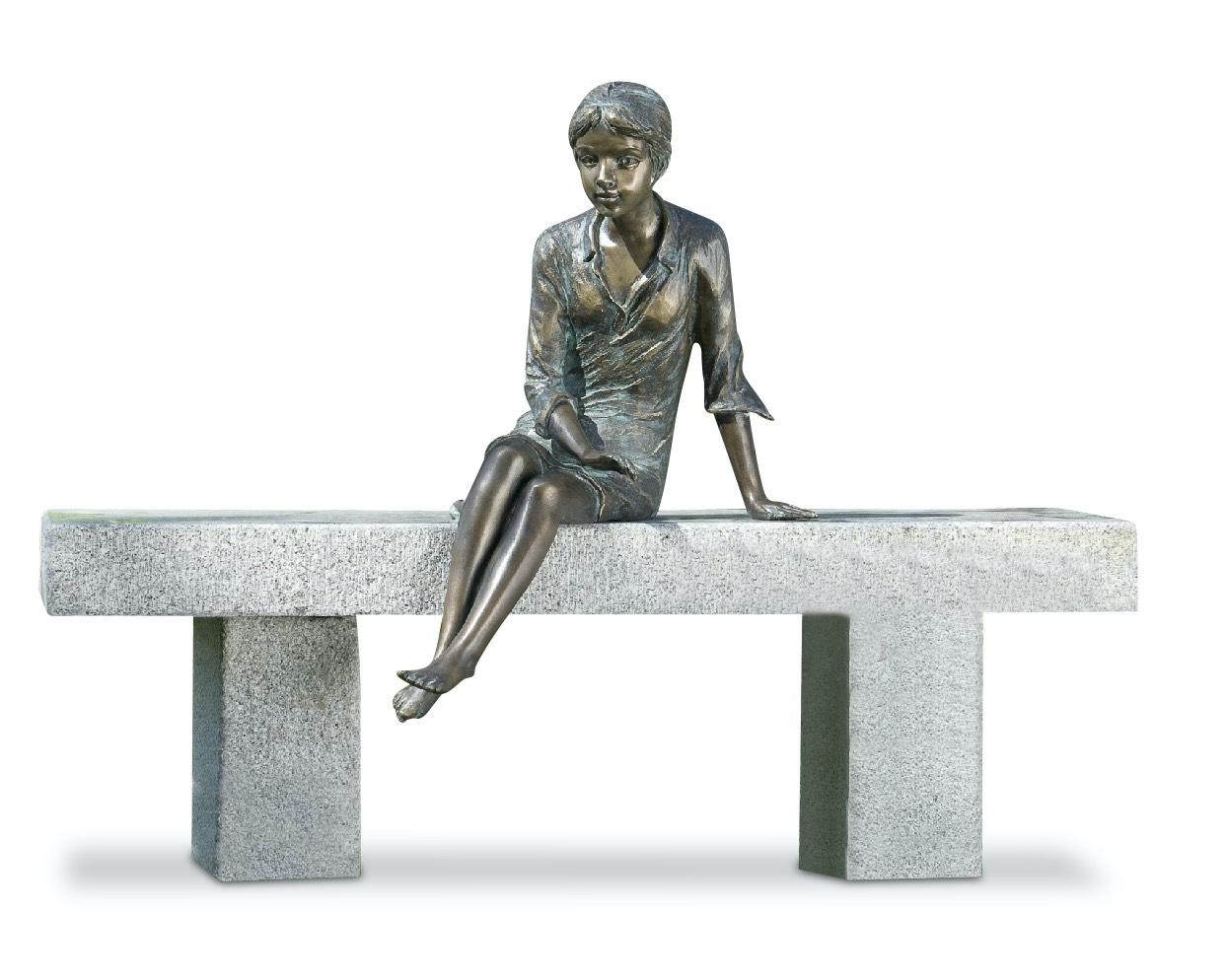 Steinbank ELFENBANK, mit Bronzefigur LENA