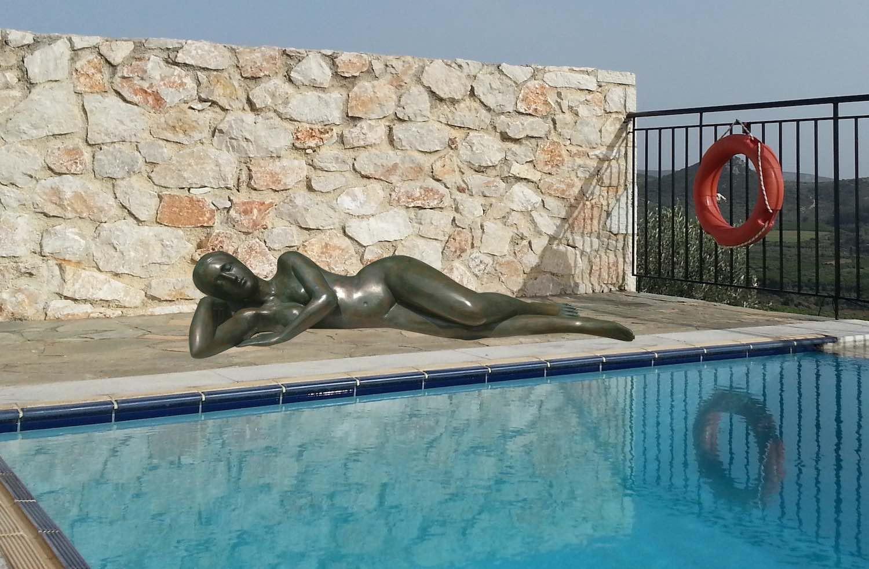 Bronzefigur EVE liegender Akt, 150 cm