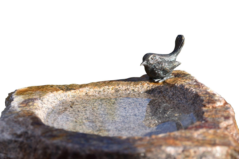 Vogeltränke VOGEL, Bronze und Granit