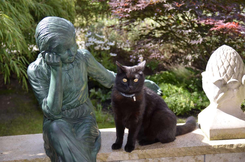 MARTINE, Bronzeskulptur, grün patiniert