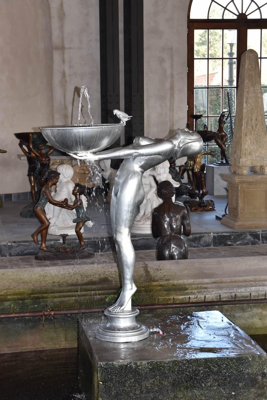 Bronzebrunnen SERENE, silbernpatiniert