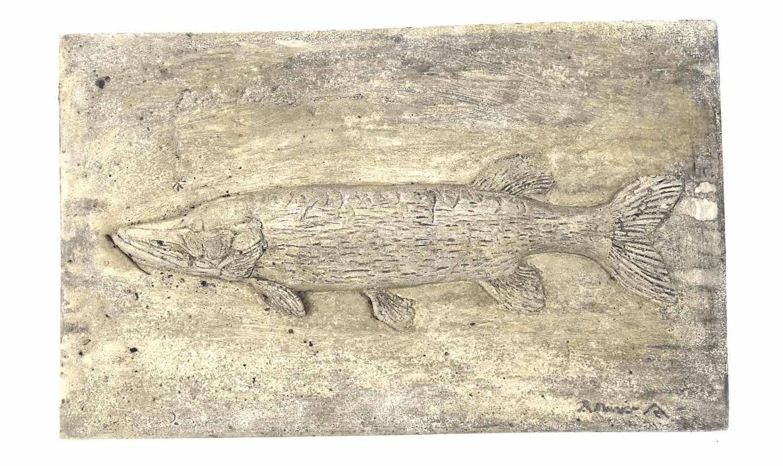 Steinrelief FISCH HECHT, 32 cm