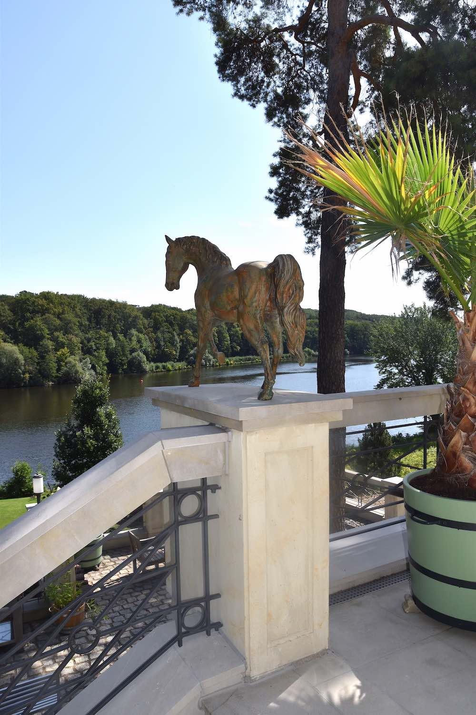 Bronzefigur Pferd CADENZA-II