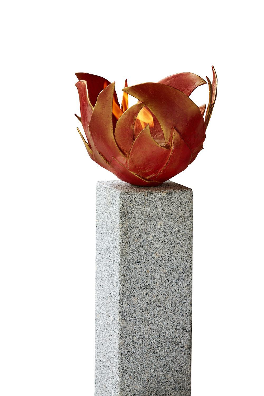 Bronzeobjekt FEUERSCHALE FLAMME mit GRANITSTELE