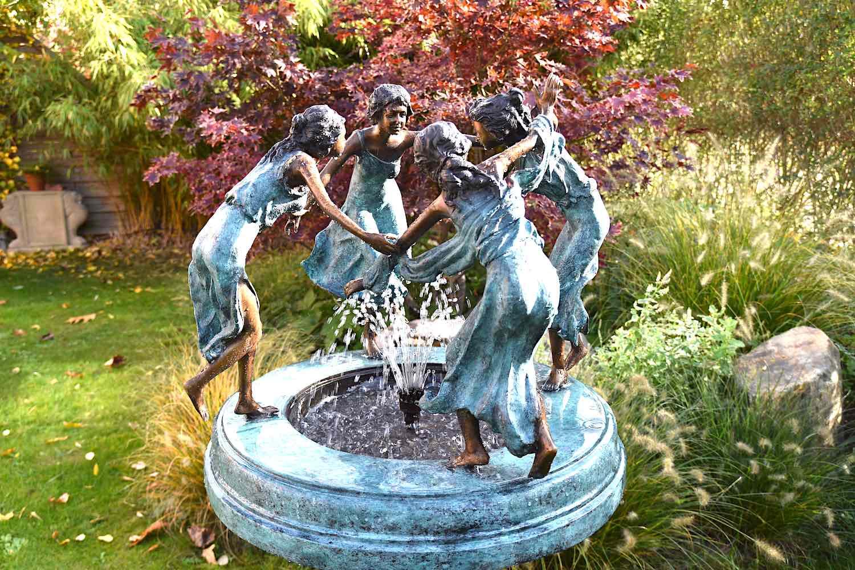 Bronzebrunnen NYMPHENBRUNNEN