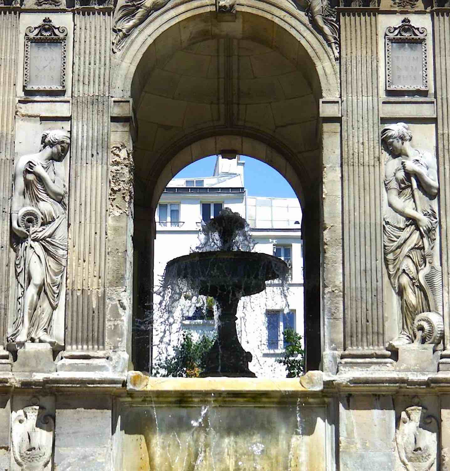 Fontaine des Innocents, Paris
