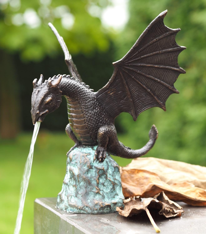 CYRIL, Bronzewasserspeier, Bronzefigur