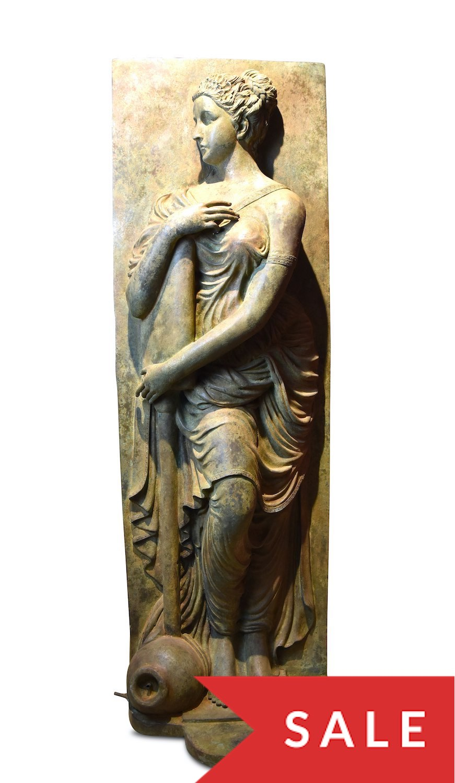 Bronzewasserspeier NYMPHE der Fontaine des Innocents-2
