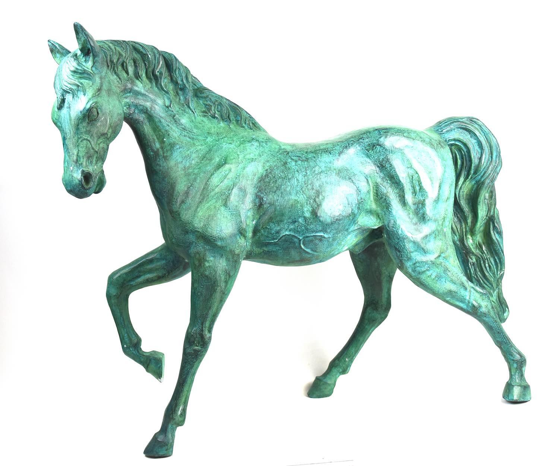 Bronzefigur Pferd CADENZA, grün patiniert