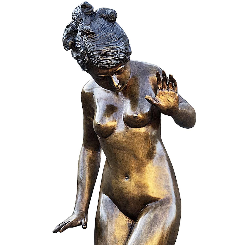 Bronzespeier HELEN mit 4 Fröschen, Detail
