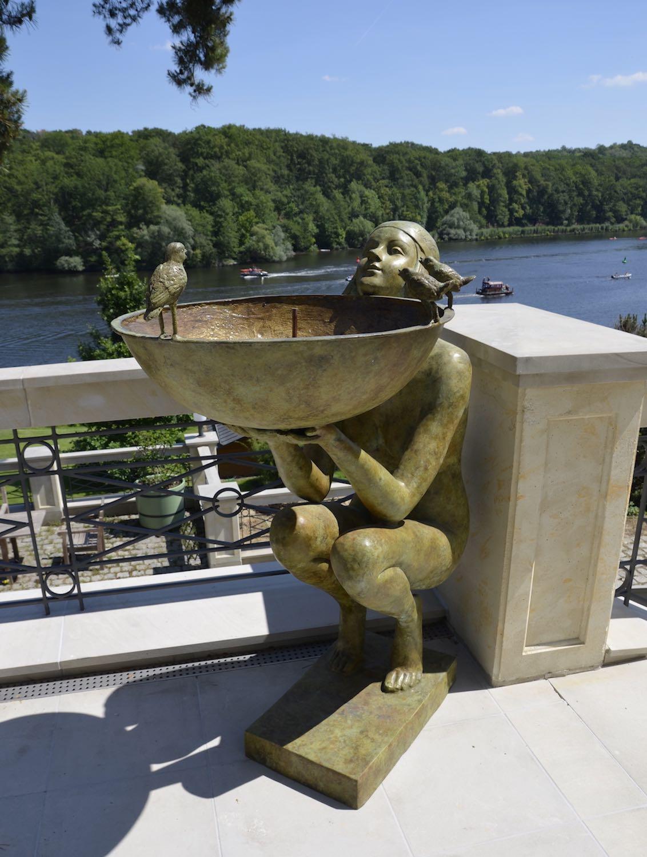 Bronzebrunnen ALESSIA, grün-gelb patiniert, Kundenfoto