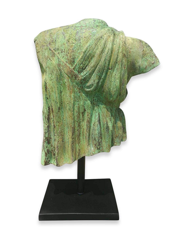 Bronzefigur RÖMISCHE STOLA, Bronzebüste, Bronzetorso