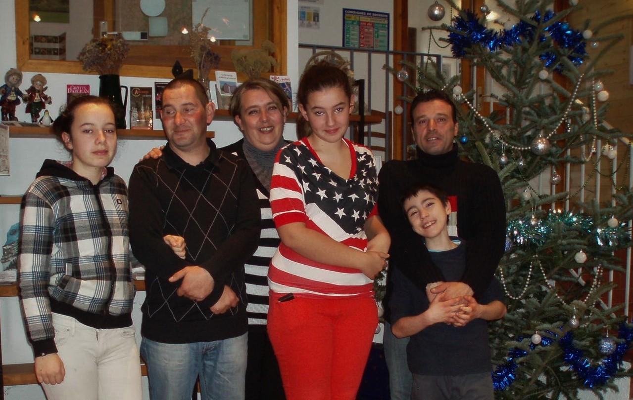 David et Gabriel. Cécilia et Cidgey avec leurs parents sont venus fêter Noel au Bleymard.