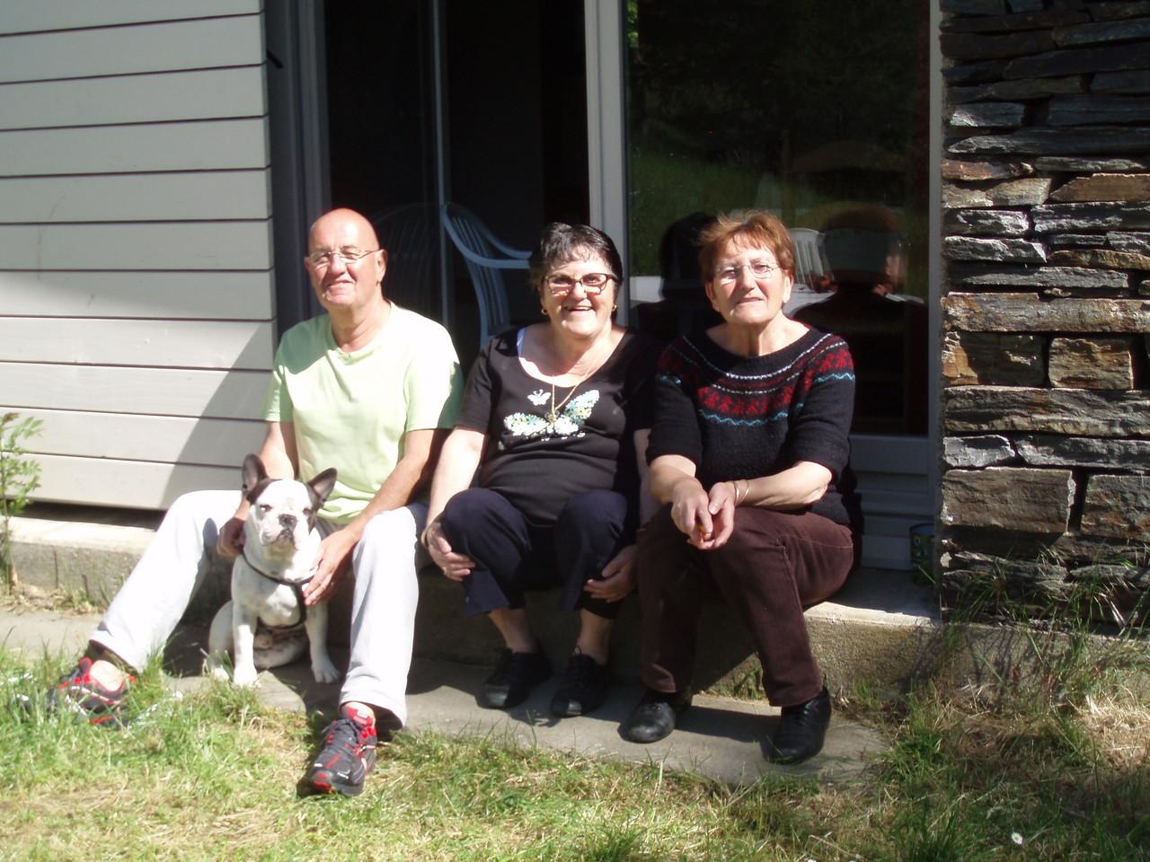 Robert, Mireille, Line et Flocon