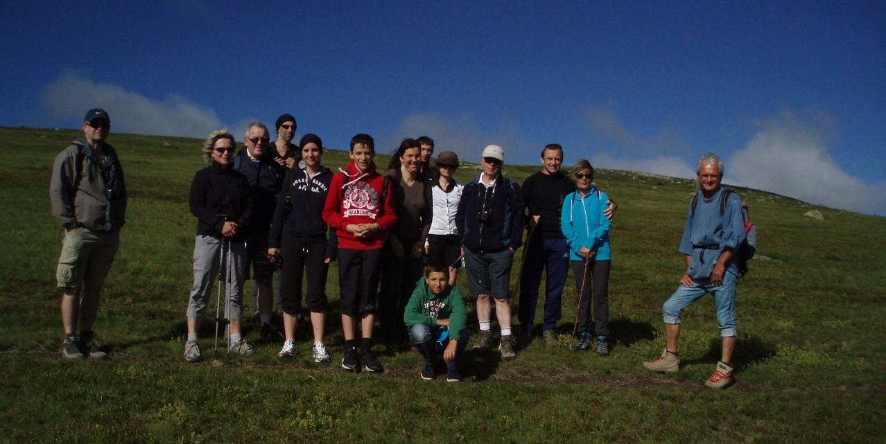 Nos courageux randonneurs en plein vent, à l'assaut du Pic Finiels, 1699m.
