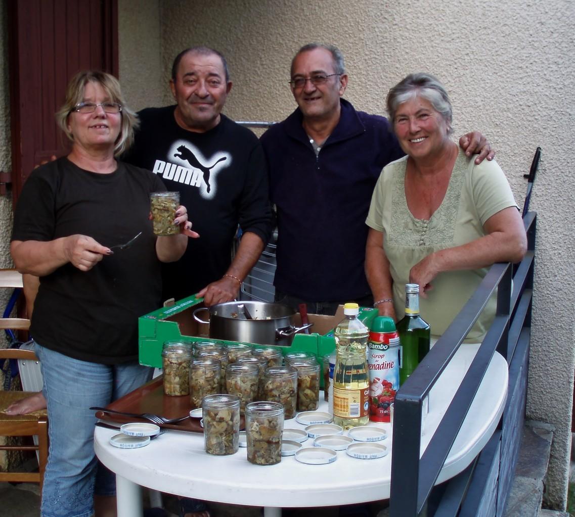 Yves, Paule, Alain et Yolande, très forts pour les champignons.