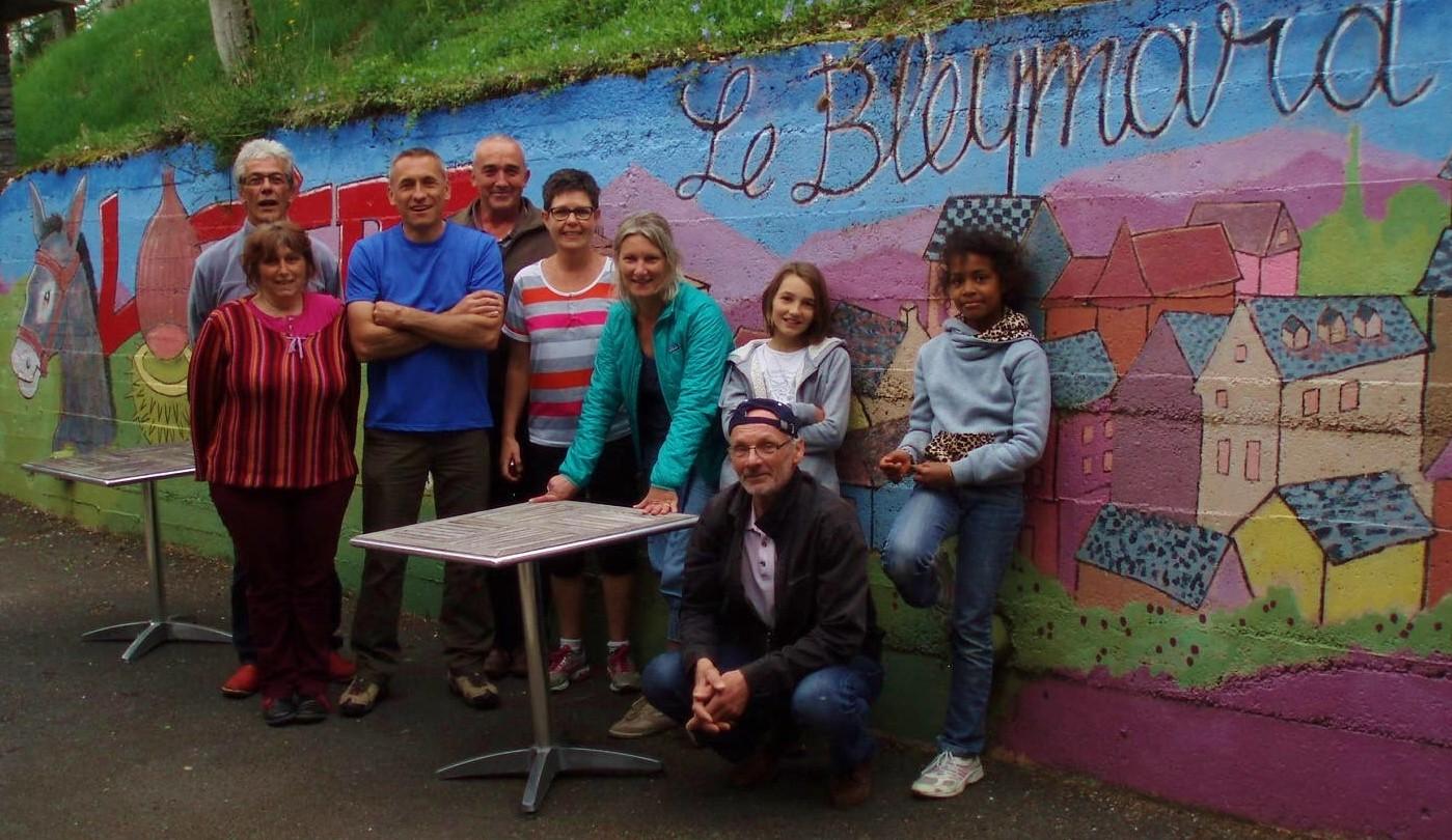 Même pas fâchés, ils sont revenus : Van Gogh, Patrick, OLIVIER, Eoline, Isabelle, Claudine, Caroline, Alice et Pierre.