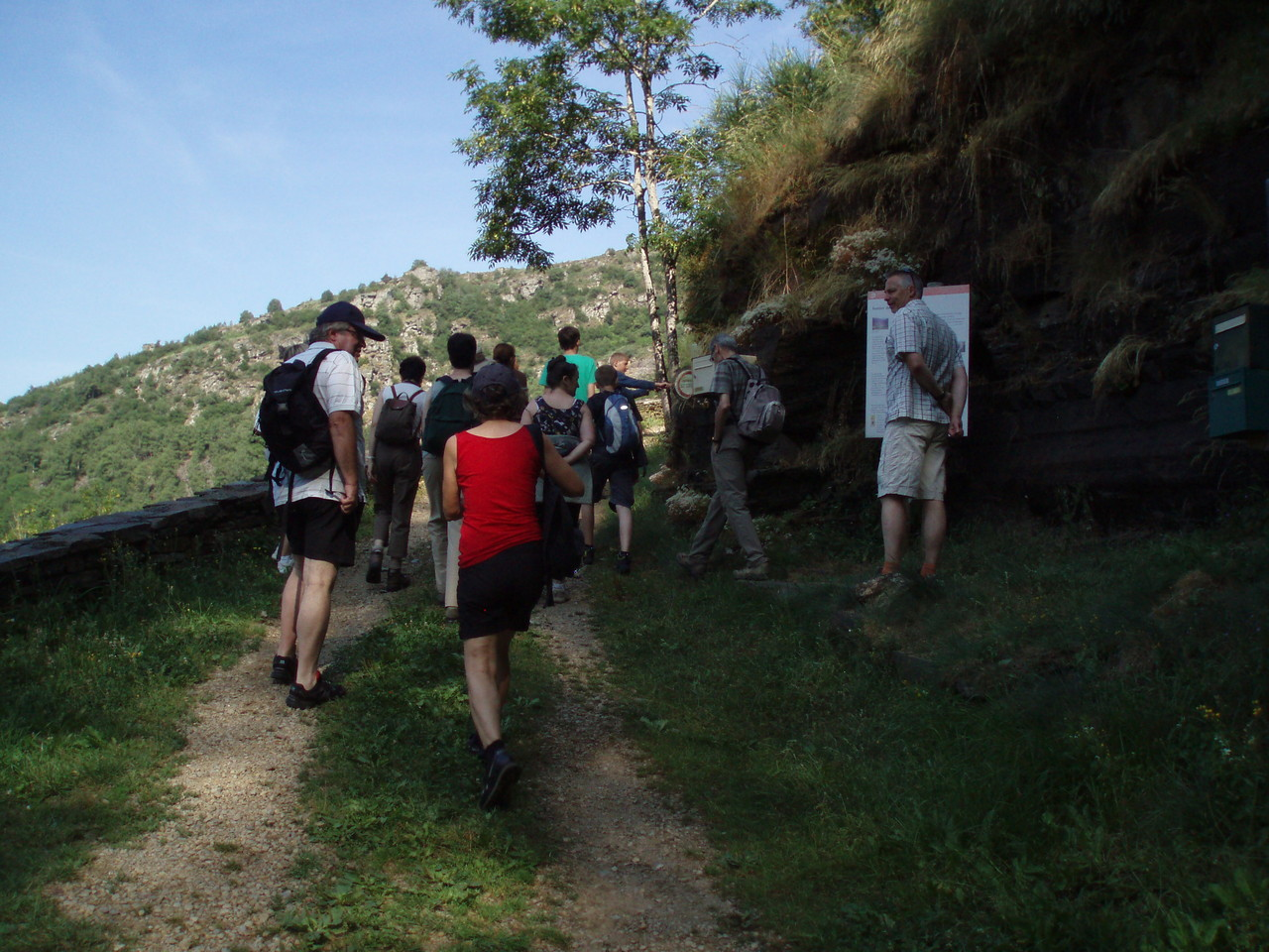C'est parti pour la randonnée accompagnée au château du Tournel!