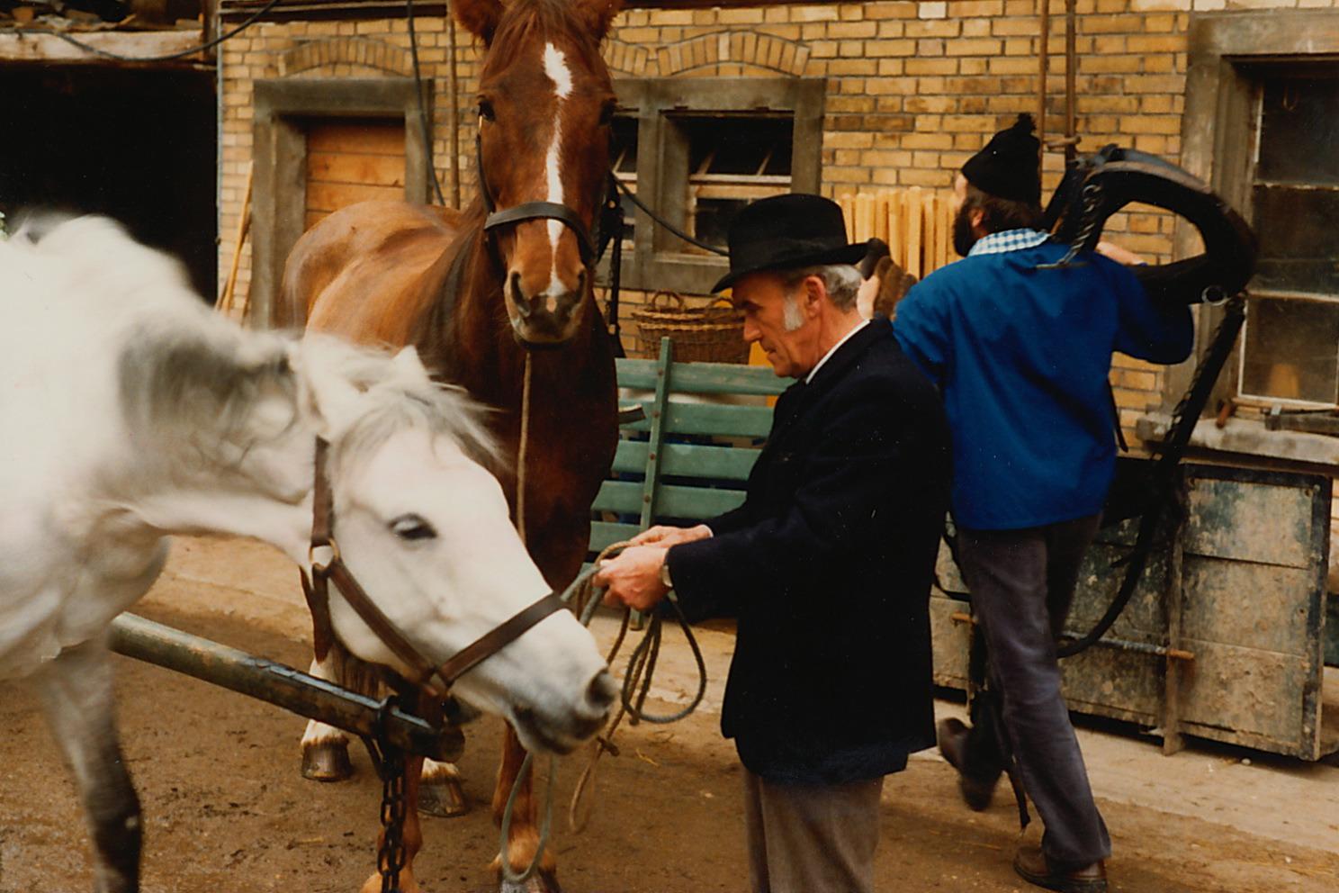 1982::Alfred Mäder::Vorbereitung für die TV Aufnahmen in Boppelsen