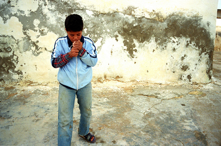 Tunisie - Young boy in Tunisia / La Baleine Blanche (2000)