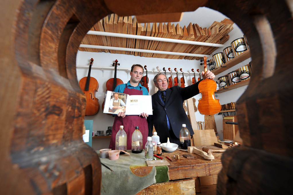 Lutherie Bauer, Angers - Violin maker / L'Express (2009)