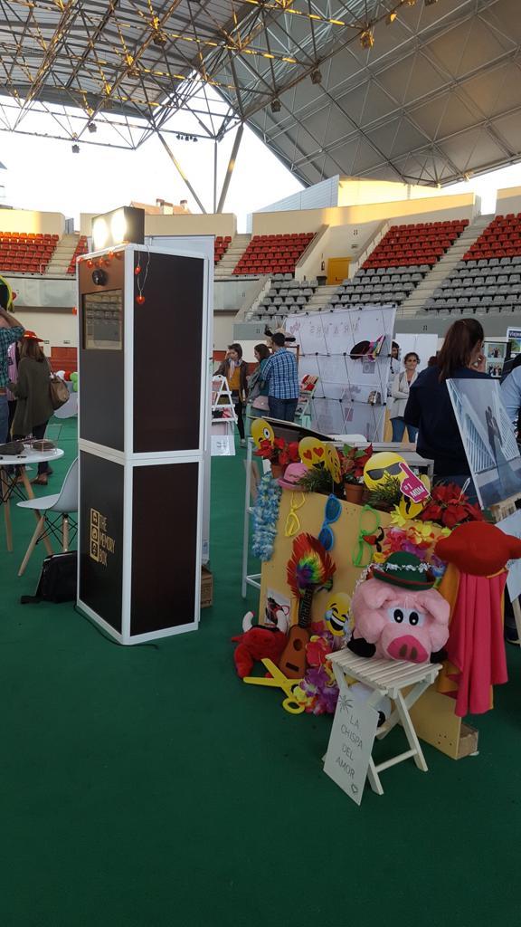 Fotomatón de madera en la Feria de Bodas de Las Rozas 2017