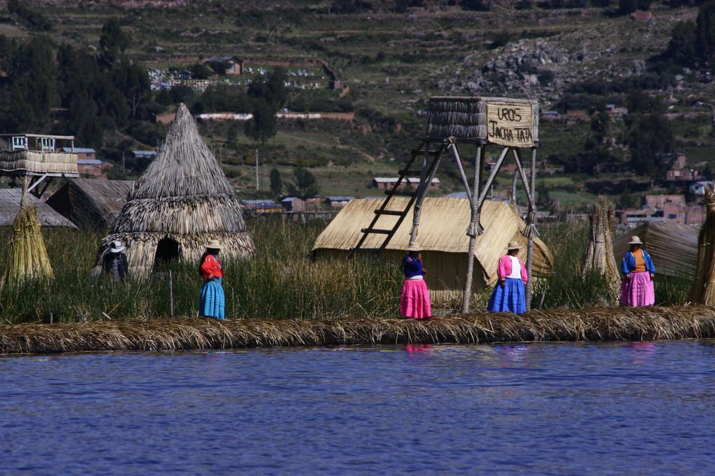 Isoel Uros, Lago titicaca tour